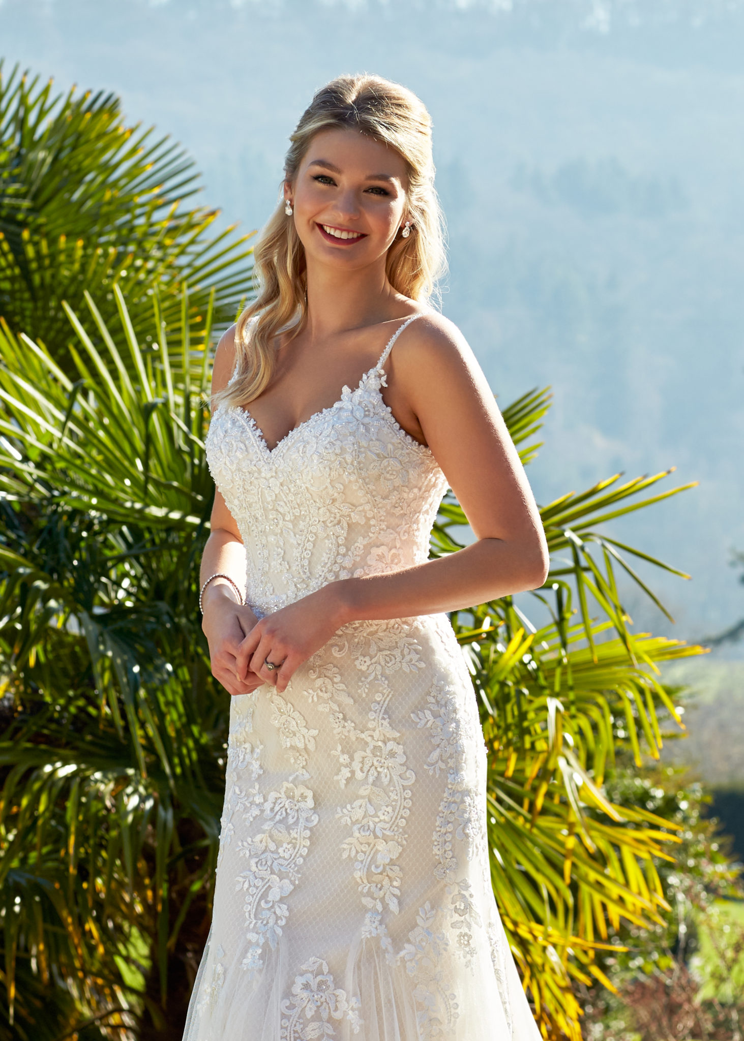 stunning v-neck lace mermaid